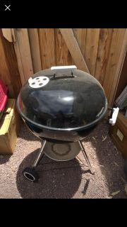 Weber 22 Charcoal BBQ