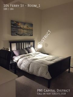 Room for rent in furnished, modern apartment close to RPI