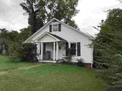 2115 Eastview Avenue Jefferson City Three BR, Great potential in