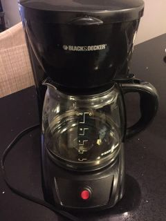 Black and Decker coffee maker - no holds