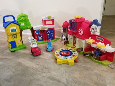 Fisher Price Little People Playsets (2) & See 'n Say (1)