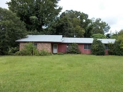 3 Bed 3 Bath Foreclosure Property in Wiggins, MS 39577 - Central Ave W