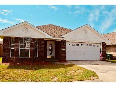 3 Bed 2 Bath Foreclosure Property in Navarre, FL 32566 - Leeward Way