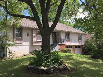 3 Bed 2 Bath Preforeclosure Property in Kansas City, MO 64134 - Overhill Rd