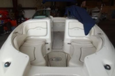 2008 Sea Ray 220 Sundeck®