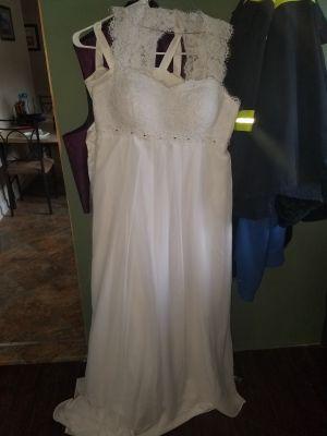 Womens Chiffon Wedding Dress/Size 18