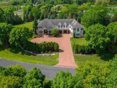 2101 Timberwood Drive CHANHASSEN Five BR, One of a kind 2.7 acre