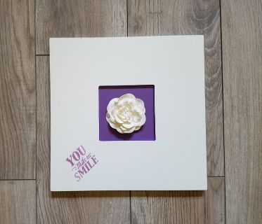 WHITE WOOD PICTURE FRAME WITH FLOWER