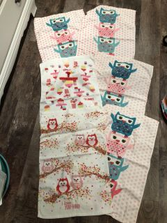 6 kitchen towels no stains or tears $3 for all Valentines