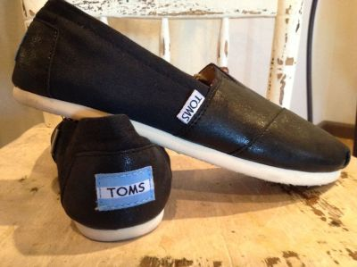 TOMS - Womens Shoes *Worn once*