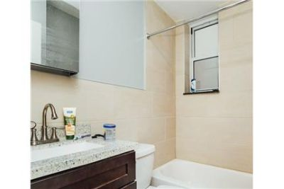 1 bedroom Apartment - Ref# Modern updated and spacious 1 bed. Pet OK!