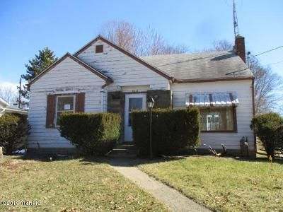 2 Bed 1 Bath Foreclosure Property in Albion, MI 49224 - Maple St