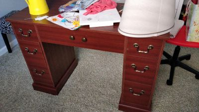 FREE Sewing table