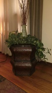 BASKETS WITH VASE DECO