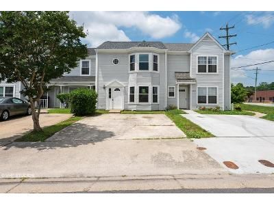 3 Bed 2.5 Bath Foreclosure Property in Virginia Beach, VA 23462 - Cleeve Abbey