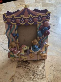 Carousel bears picture frame