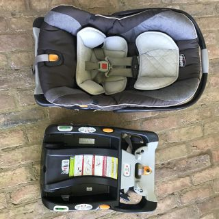 Chicco Keyfit 30 Car Seat + 3 Bases