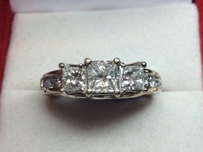 14kt GOLD 1.59 CT ENGAGEMENT RING