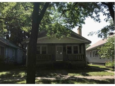 3 Bed 1 Bath Foreclosure Property in Rockford, IL 61103 - Grant Ave