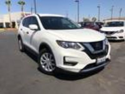 Used 2018 Nissan Rogue Glacier White, 25.2K miles