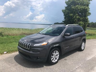 2015 Jeep Cherokee Latitude (Gray)