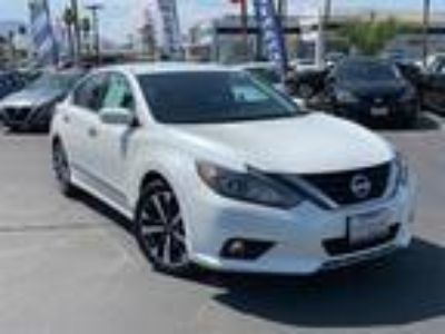 Used 2016 Nissan Altima Pearl White, 39.4K miles