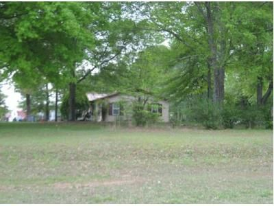 2.0 Bath Foreclosure Property in Florence, AL 35633 - Highway 20