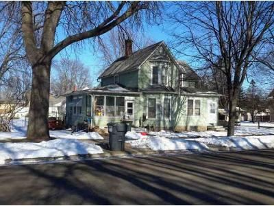 3 Bed 2 Bath Foreclosure Property in Glencoe, MN 55336 - 15th St E