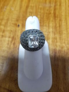 Beautiful 9.25 sterling silver ring size 7