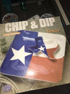 Glass chip and dip tray
