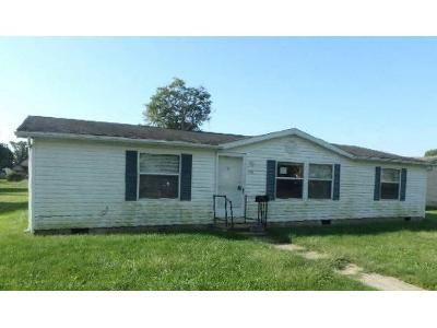 3 Bed 2 Bath Foreclosure Property in Gas City, IN 46933 - S F St
