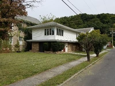 3 Bed 2 Bath Foreclosure Property in Keyser, WV 26726 - Maryland St