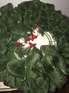 green and multicolored mesh wreath