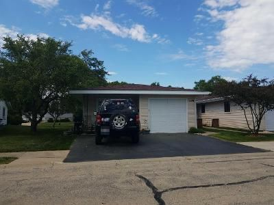 3 Bed 1.5 Bath Preforeclosure Property in Schaumburg, IL 60193 - Chelsea Ln