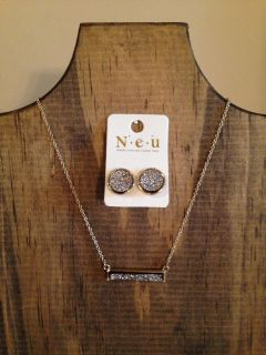 """JUST IN! BOUTIQUE 15.6""""-18"""" GOLD CHAIN NECKLACE WITH 1.25"""" WIDE HEMATITE DRUZY STONE BAR PENDANT, MATCHING ROUND HEMATITE DRUZY EARRINGS!"""