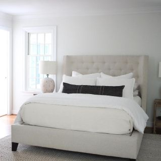 Tufted Upholstered Queen Bed