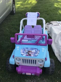 Hot wheels frozen Jeep with battery and charger cross posted at my garage sale today
