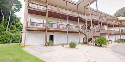2Bed/2Bath Condo Unit with Jetted Garden Tub in Sunset Bay Villas, Daphne!