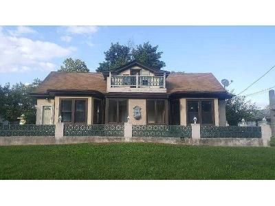3 Bed 2.5 Bath Foreclosure Property in Penns Grove, NJ 08069 - Harding Hwy