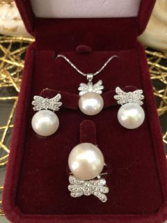 SALE Authentic white Freshwater pearls