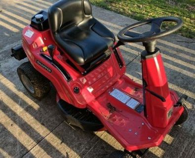Snapper RE110 Riding Lawn Mower with Grass Catcher
