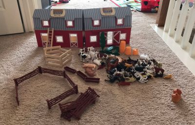 Melissa & Doug fold n go barn with lot of barn animals, fencing, etc. Excellent condition