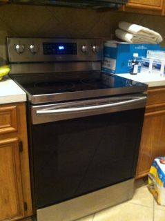 NEWER Samsung Electric Range/Convection Oven