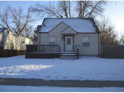 3 Bed 1 Bath Foreclosure Property in Sioux Falls, SD 57105 - W 37th St
