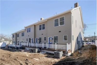 $4,000/mo  2 bedrooms - convenient location. Parking Available!