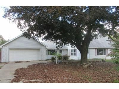 4 Bed 1.5 Bath Foreclosure Property in Paw Paw, MI 49079 - M 40