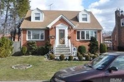 ID#: 1327939 Beautiful 4 Bedroom Home For Rent In Whitestone.