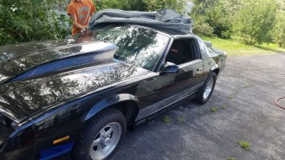 88 CAMARO IROC Z28 T TOP CAR
