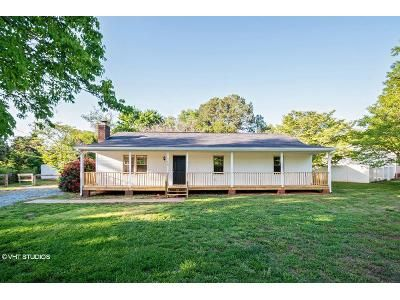3 Bed 2 Bath Foreclosure Property in Charlotte, NC 28227 - S Hampton Dr