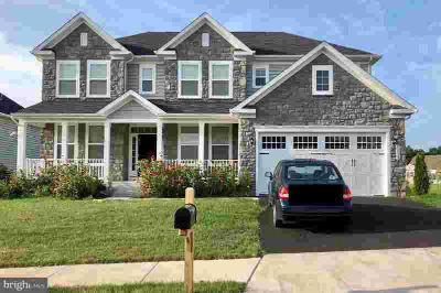 40737 Witherspoon CT Aldie, This great Five BR/Four BA